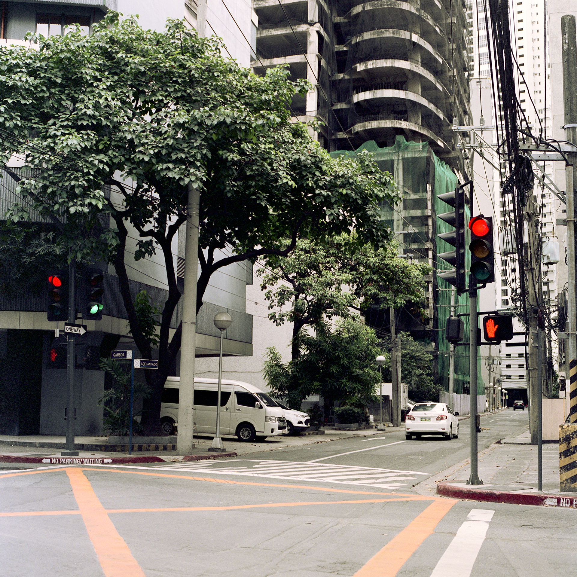 Random intersection on a quiet day in Makati